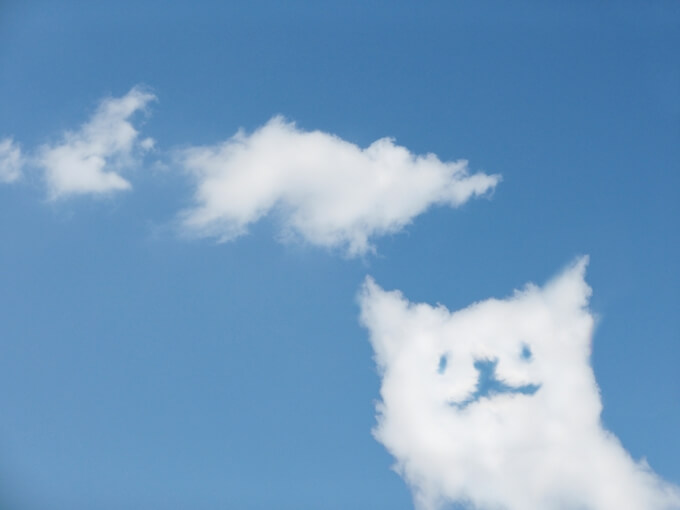 犬の形をした雲